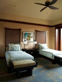 Asian Bedroom Design is arguably one of the most popular styles that is currently making the rounds. Look these Beautiful Asian Bedroom Design Ideas. Guest Bedroom Decor, Bedroom Sets, Home Bedroom, Guest Rooms, Bedding Sets, Master Bedroom, Luxury Bedroom Furniture, Luxury Bedding, Furniture Sets