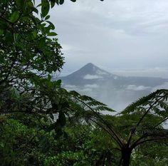 Ascending Maderas Ometepe Nicaragua [5312x2988][OC] http://ift.tt/28Unz8D