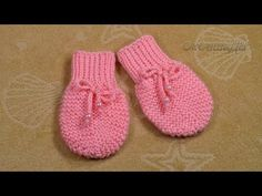 Knit Baby Dress, Crochet Baby Shoes, Fingerless Gloves Knitted, Knitted Hats, Baby Hats Knitting, Baby Booties, Slippers, Kids, Clothes