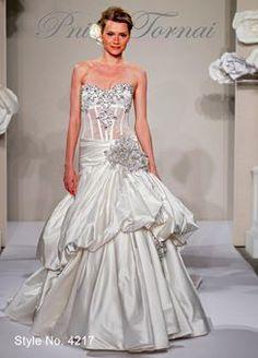 Stilista italiana di abiti da sposa