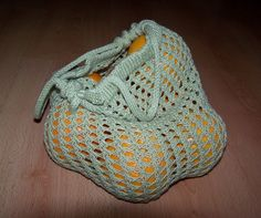 Green Grocery bag Yarn: Ambre by Cheval Blanc, fingering weight – 2 skeins of 50 g (= 300m). Use a strong and easy-to-wash yarn, like cotton or bamboo. You will need: Circular needles (or a set of...