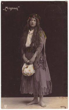 German gypsy postcard  Portrait of a barefoot gypsy. Mignon.