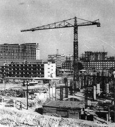 """La construcción de la unidad habitacional Nonoalco Tlatelolco a inicios de los sesenta.  Imagen del libro """"Ciudad Tlatelolco"""" -  The construction of the Nonoalco Tlatelolco housing unit at the beginning of the sixties."""