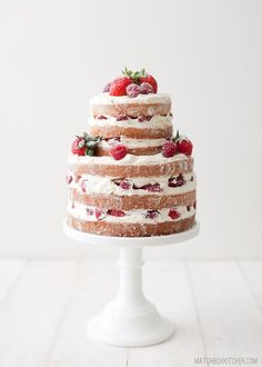 naked wedding cake,simple wedding cake,naked strawberry raspberry shortcake / http://www.deerpearlflowers.com/rustic-berry-wedding-cakes/