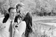 family of 3 photos!! LOVE the candid!! Chicago photographer - chicago family photography