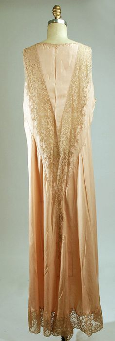 Nightgown Date:ca. 1930 Culture: French Medium: silk, cotton. Back