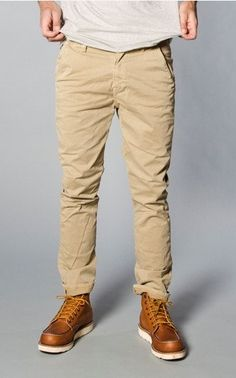 White crisp tee khakee Chinos and shoes.. perfect compliment