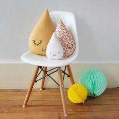 Cute raindrop pillows. :)