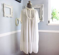 1940s Cotton Nightgown // Vintage Lingerie Night Gown // Size Large