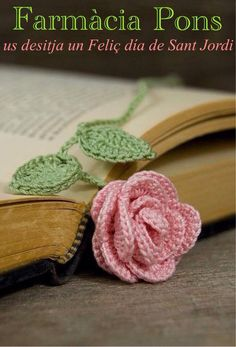 ideas for crochet flower bookmark Marque-pages Au Crochet, Crochet Puff Flower, Crochet Flower Patterns, Crochet Books, Love Crochet, Crochet Crafts, Crochet Flowers, Crochet Bookmark Pattern, Crochet Bookmarks