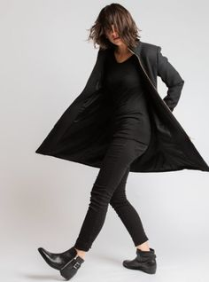 Barbara Coat My Mom, Online Boutiques, All Black, Custom Design, Normcore, Clothes For Women, Coat, Womens Fashion, Shopping