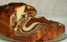 Bine ati venit in Bucataria Romaneasca Ingrediente: 3 oua 200 gr zahar 220 gr smantana 1 lingurita praf de copt 220 gr faina 40 gr unt linguri cacao 1 Marble Cake Recipes, Best Cake Recipes, Sweet Recipes, Cacao Recipes, Milk Recipes, Baking Recipes, Russian Desserts, Chocolate Cake Recipe Easy, Easy Cake Decorating
