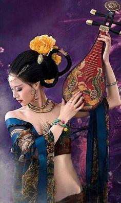 & Life Is Beautiful. Chinese Kimono, Geisha Art, Japanese Geisha, China Dolls, Belly Dance Costumes, Traditional Fashion, Color Of Life, Asian Style, Beautiful Birds