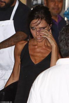 Victoria Beckham has birthday dinner at Nobu Malibu as son Brooklyn is at Coachella Sarah Baldwin, Nobu Malibu, Victoria Beckham Style, Victoria Style, Victoria And David, Victoria Fashion, American Eagle Outfits, Curvy Petite Fashion, Christian Dior Couture
