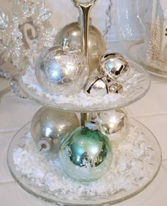51 Ideas To Use Jingle Bells In Christmas Décor   DigsDigs