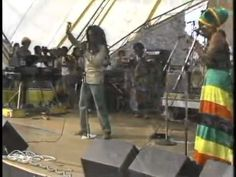 Bob Marley and The Wailers 21-07-1979 - Completo  I was suppose to go to this with my brother, but my mother wouldn't let me because i was only 14....