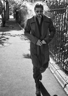 Pilati Stefano Pilati, the former director of Yves Saint Laurent. This picture is my favorite. I love the coat and the attittudeStefano Pilati, the former director of Yves Saint Laurent. This picture is my favorite. I love the coat and the attittude Gentleman, Beatnik Style, Modern Mens Fashion, Men's Fashion, Milan Fashion, Fashion Styles, Winter Mode, Beard Tattoo, Looks Cool