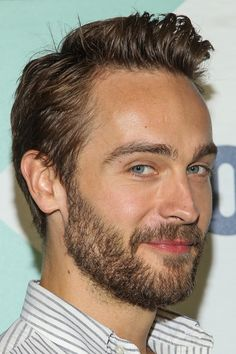 Oh hot damn! My new crush Tom Mison...can't wait to watch him in Sleepy Hollow