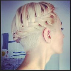 10 Sexy and Sharp Looking Pixie Undershave Cuts For Girls.