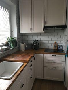 Küchen Design, Interior Design, Aga, Creative Home, Small Apartments, Kitchen Interior, Kitchen Remodel, Sweet Home, Kitchen Cabinets