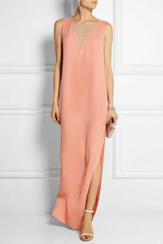 Peach silk-crepe, sand silk-chiffon Concealed zip fastening along side silk Dry clean Simple Dresses, Beautiful Dresses, Nice Dresses, Long Dresses, Pull Court, Silk Crepe, Silk Chiffon, Looks Style, Mode Style