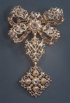 Brooch, 18th century, probably Spain, gold, diamonds.