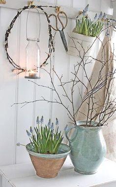 Floral pot, Easter decoration ideas, DIY easter flower pot. Easter crafts tutorial. Great for garden decor. Vintage decor, Farmhouse decor. Farmhouse chic. French provincial.