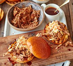 The easiest pulled pork recipe you'll ever use. No tricky measurements involved, minimal ingredients and a mouth-watering smoky barbecue result Easy Pulled Pork, Bbq Pulled Pork Recipe, Slow Cooked Pulled Pork, Pulled Pork Sliders, Shredded Pork, Slow Cooker Pork, Slow Cooker Recipes, Cooking Recipes, Slow Cooking
