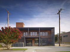 Gallery of Lingo Construction Services / Elliott + Associates Architects - 1