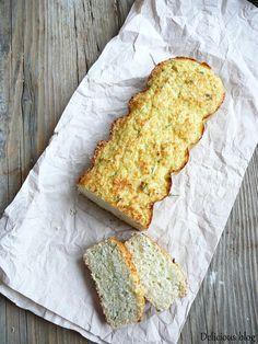 Proč chléb v uvozovkách? Původní název receptu, ze kterého jsem vycházela, byl skutečně květákový chléb. Nicméně já jsem trošku na rozpacíc... Cauliflower Bread, Dairy Free, Gluten Free, Pitta, Russian Recipes, Kitchen Hacks, Bread Recipes, Banana Bread, Vegetarian