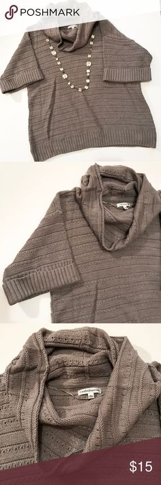 """{Croft & Barrow} Gray Short Sleeve Boxy Cowl Neck This sweater is perfect for layering a long sleeve shirt under or wearing alone. It has short sleeves, a cowl neck, and has a boxier, relaxed fit.  Length: 25"""" Bust 21"""" Hips 21"""" Boxy fit, cowl neck, short sleeve 60% cotton 40% acrylic  Machine wash cold • like colors • dry flat croft & barrow Sweaters Cowl & Turtlenecks"""