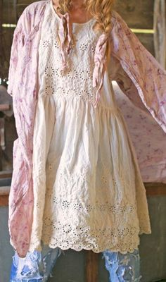 ideas shabby chic style clothing magnolia pearl for 2019 Shabby Chic Outfits, Ropa Shabby Chic, Vintage Outfits, Boho Outfits, Pretty Outfits, Beautiful Outfits, Fashion Outfits, Beautiful Clothes, Hippie Stil