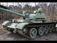 Жителей латвийского города напугал россиянин на старом танке