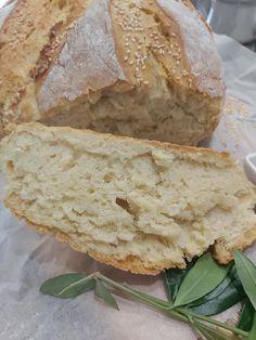 """Νόστιμη συνταγή μαγειρικής από """"Helena's Greek cooking""""       Υλικά   για ένα ψωμί μεγάλο η δύο μικρά η και ψωμάκια  900 γρ αλεύρι χωριάτικο σκληρό η για όλες τις χρήσεις  2 φακελάκια μαγιά (22 γρ.)  680 γρ. ζεστό Cooking Recipes, Bread, Sweet, Food, Candy, Eten, Bakeries, Meals"""