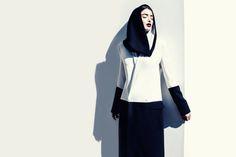 A snood by french-born designer faiza bouguessa. Islamic Fashion, Muslim Fashion, Modest Fashion, Women's Fashion Dresses, Dubai Fashion, Fashion 2015, Fashion Hats, Fashion Clothes, Minimalist Fashion Women