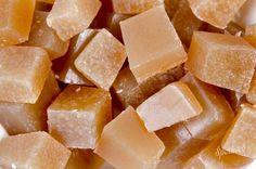 Mydlová hmota s čiernym africkým mydlom 1 kg - Šperkovo. Soap Making, Bath Bombs, Cantaloupe, Fruit, Natural Soaps, Food, Salt, Essen, Salts
