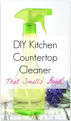 Want an all natural kitchen cleaner that's easy to make and smells good, too? This DIY kitchen countertop spray uses essential oils for effective green cleaning that is non-toxic for a healthy home. Diy Home Cleaning, Homemade Cleaning Products, Deep Cleaning Tips, House Cleaning Tips, Natural Cleaning Products, Spring Cleaning, Cleaning Hacks, Diy Hacks, Green Cleaning Recipes
