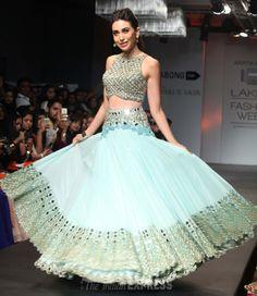 Karisma Kapoor looks phenomenal as she takes a twirl at the Lakme Fashion Week 2014 #Style #Bollywood #Fashion #Beauty #LFW2014