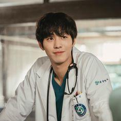 Instagram Asian Actors, Korean Actors, Kim Myungsoo, Ahn Hyo Seop, Romantic Doctor, Nam Joohyuk, Science Fiction, Lee Sung Kyung, W Two Worlds