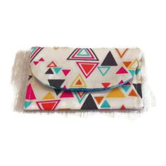 Bright Triangles and Stripes Card Wallet (€3,68) ❤ liked on Polyvore featuring bags, wallets, striped wallet, triangle bag, snap closure wallet, pink bag and turquoise bag