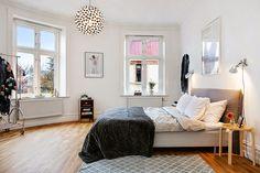 A monochrome Gothenburg apartment. Alvhem.