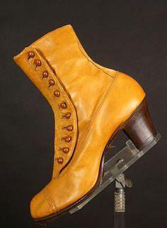 Butterscotch-colored leather high-button boots, c. Edwardian Shoes, Victorian Shoes, Edwardian Clothing, Edwardian Fashion, Historical Clothing, Edwardian Style, Vintage Fashion, Jeanne Lanvin, Madeleine Vionnet