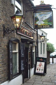 The Dove, Hammersmith, London. Historic riverside pub where Charles II and Nell Gwynne dined