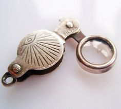 Vintage Silver Magnifying Glass Working Charm - 45 gbp