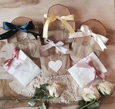 Spose stanche dei soliti conetti per il riso? #bustine #riso #isieventi #realwedding #event #wedding #weddingday #weddingpaper #weddingflowers #weddingplanner #rise #fiocchi #ribbon #heart #love #lovethis