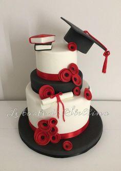 Degree cake – cake of graziastellina - Home Page College Graduation Cakes, Graduation Party Decor, Grad Parties, Beautiful Cakes, Amazing Cakes, Lawyer Cake, Cupcake Cakes, Cupcakes, Party Decoration