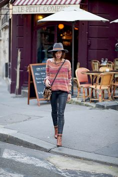 Zoé Alalouch is wearing a jumper from Mango, trousers from Zara and the boots are from Aldo Fall Winter Outfits, Autumn Winter Fashion, Boho Fashion, Fashion Outfits, Womens Fashion, Street Fashion, Fashion Clothes, France Mode, Looks Jeans