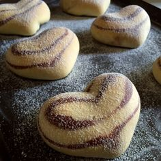 Soft and sweet milk bun with cocoa-flavoured pattern crafted into a heart shape If double fold the dough, you'll get a double heart. Easy Pastry Recipes, Sweet Recipes, Baking Recipes, Bread Bun, Bread Cake, African Dessert, Milk Bun, Japanese Bread, Bread Shaping