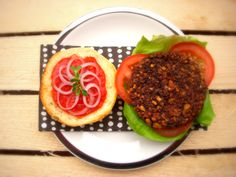 WHITE LUPIN & BLACK BEANS BURGERS