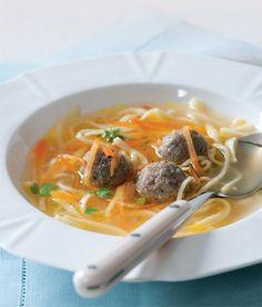 Polévka s játrovými knedlíčky (Soup with liver meatballs)